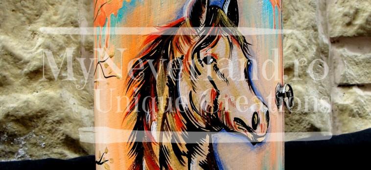 "Dulapior cilindric bijuterii ""Horse"""
