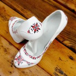 "Pantofi pictati ""Traditional Design"""