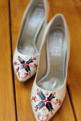 "Pantofi pictati ""Traditional Designs"""