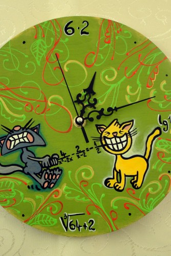 "Ceas de perete ""Cats fighting over math"""