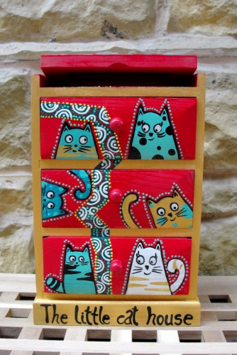 "Dulapior de bijuterii ""The little cat house"""