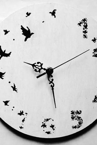 "Ceas perete : ""Time Flies"""